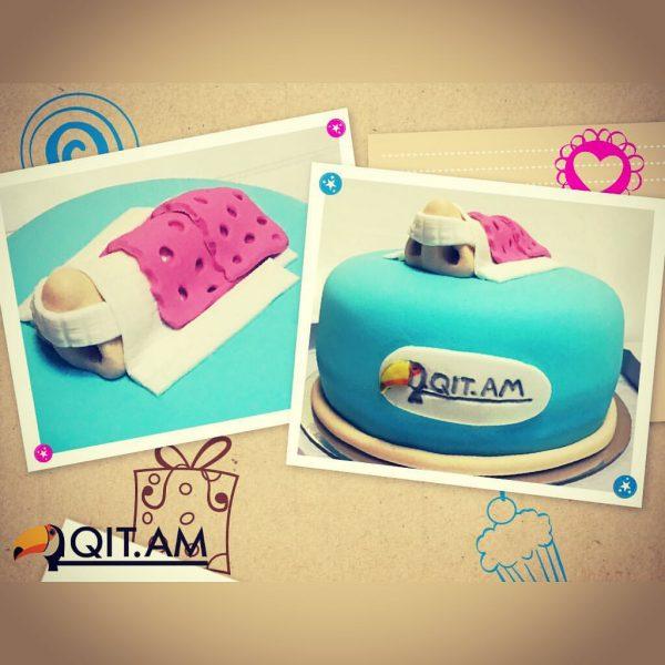 Торт с фирменным розовым гипсом
